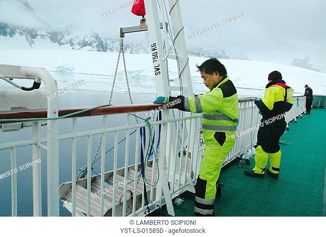 Ship, Iceberg, Glacier, Polar Desert, Lemaire, Antarctica