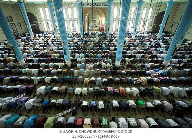 DHAKA, BANGLADESH - MAY 22 : Muslims pray at Baitul Mokarram Mosque during the one of five holy nights of the Muslim's holy Shab-e-Barat