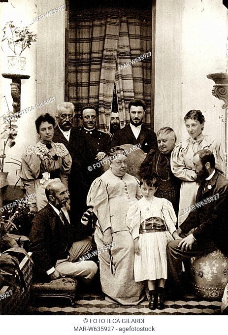 NAPOLEONIDI romani, fotogruppo a Palazzo Primoli. Da sin. (seduto) principe Placido Gabrielli figlio di Carlotta (figlia di Luciano Bonaparte)