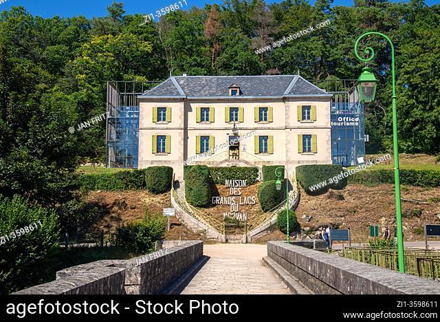 maison de grands lacs du morvan at Lac de Settons in Morvan, France