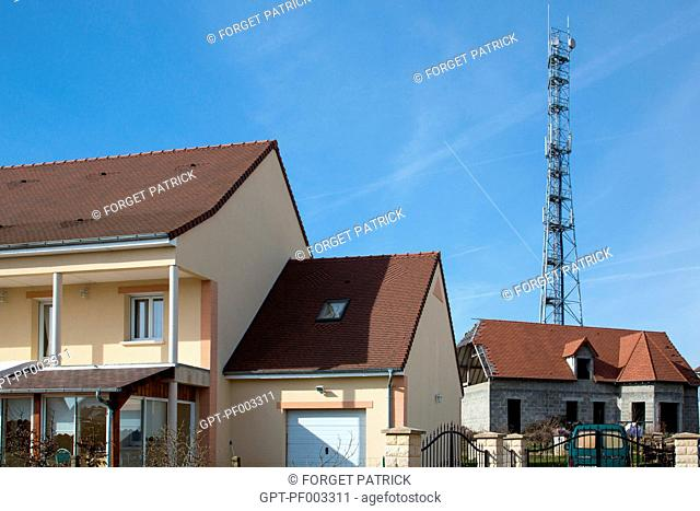 RELAY MAST AND MOBILE TELEPHONING, SAFETY RISKS NEAR HOMES, EMISSION OF WAVES DANGEROUS TO PEOPLE'S HEALTH, L'AIGLE (61) ORNE, LOWER NORMANDY, FRANCE