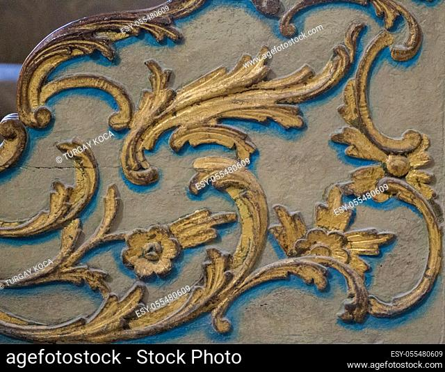 Floral art pattern example on wood of the Ottoman time