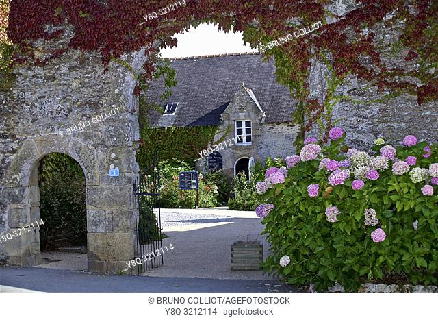 architecture of Ker an Poul manor in Penvins, morbihan, brittany, france