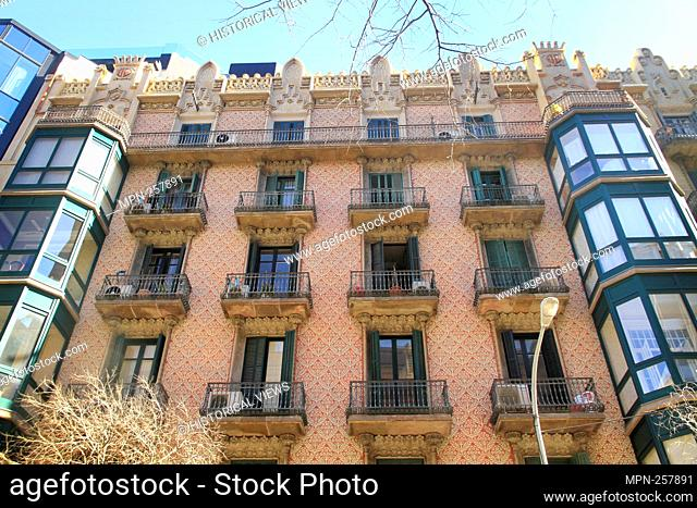 Cases Joaquim Cabot (architect: Josep Vilaseca i Casanovas), Carrer de Lluria, Eixample District, Barcelona, Catalonia, Spain