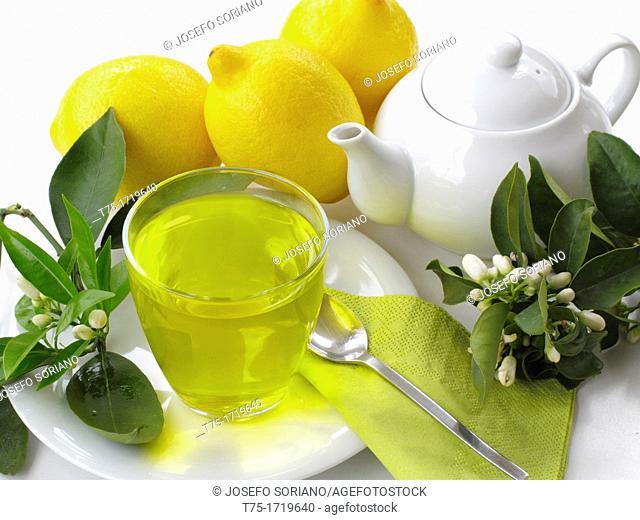 Lemon infusion and blossom
