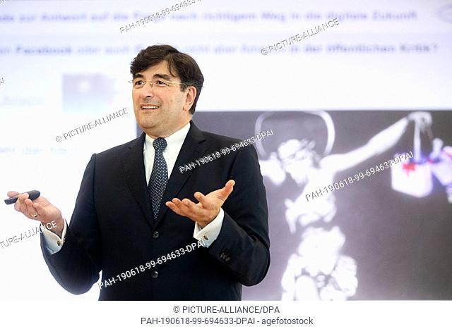 18 June 2019, North Rhine-Westphalia, Bielefeld: Albert Christmann, personally liable partner of Dr. August Oetker KG, speaks at the annual press conference at...