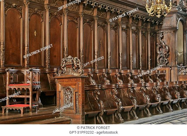 THE CANONS' STALLS MADE IN 1670, SAINT-SERNIN BASILICA, ROMANESQUE ART, TOULOUSE, HAUTE-GARONNE 31, FRANCE