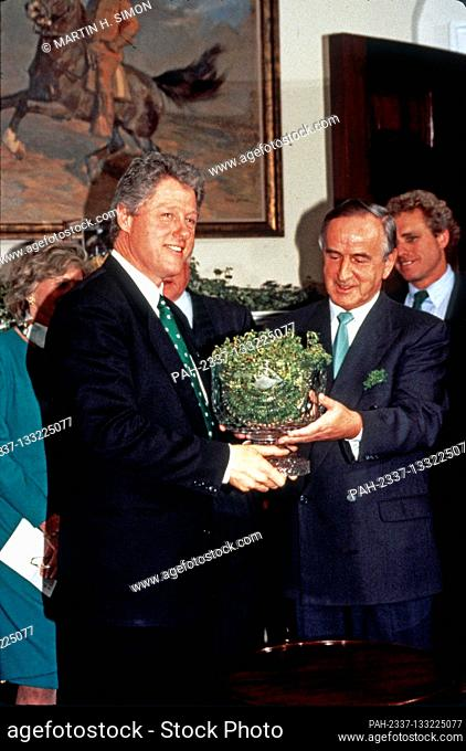 United States President Bill Clinton, left, participates in the annual presentation of a bowl of shamrocks honoring St. Patrick's Day with Taoiseach (Prime...