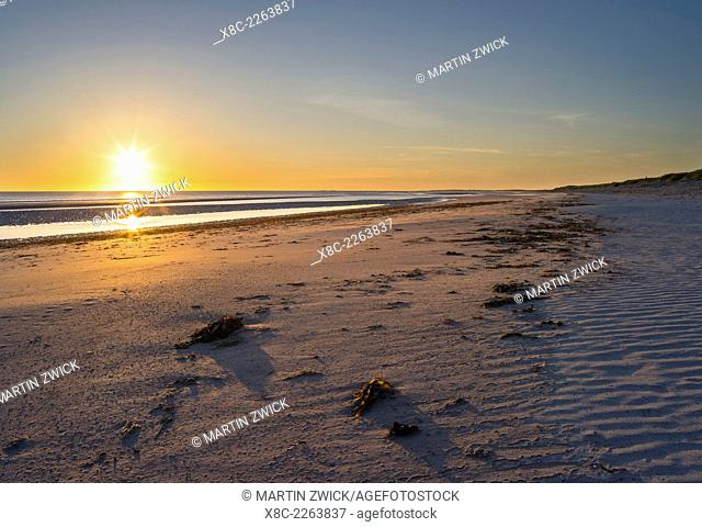 Landscape on the island of South Uist (Uibhist a Deas) in the Outer Hebrides. Sandy beach with dunes near Dreumasdal. Europe, Scotland, June