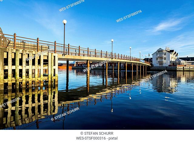 Scandinavia, Norway, Lofoten, Bridge in the harbour of Svolvaer