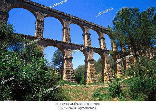 Roman aqueduct, also known as Pont del Diable (2th century A.D.). Tarragona. Catalonia. Spain