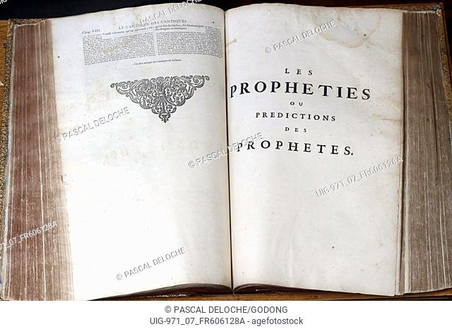 Old bible in French, 1669. Old Testament