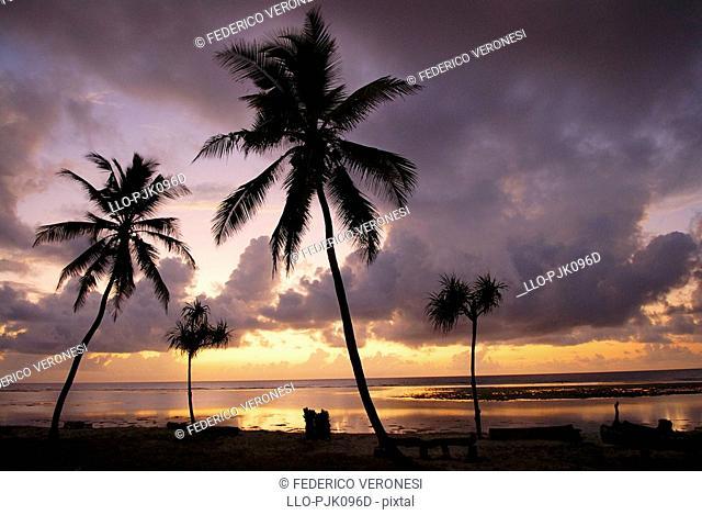 Sunrise on Sand Island, Tiwi Beach, Southern Coast, Kenya, Africa