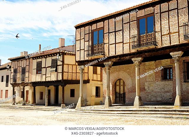 Arcade and houses at Plaza de la Villa. Arevalo, Spain