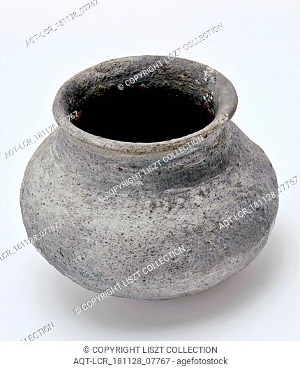 Pottery ball pot, ball pot cooking pot tableware holder kitchenware earthenware ceramic pottery, hand-shaped hand-turned baked Pottery ball pot Ball-shaped...