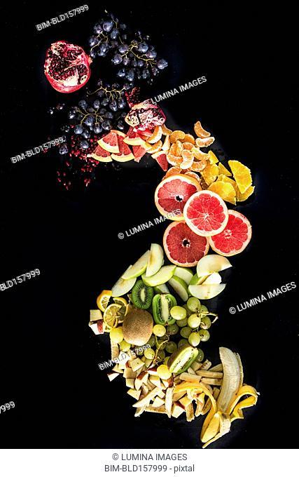Sliced fruits arranged in spiral