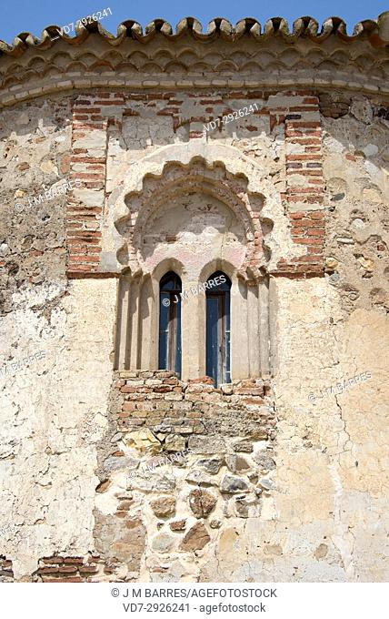 San Mames Hermitage apse (13th century), window detail. Aroche, Huelva province, Andalucia, Spain