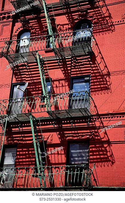 Building in Chinatown, Manhattan, New York, USA
