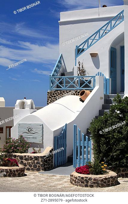 Greece, Cyclades, Santorini, Imerovigli, street scene, traditional architecture,