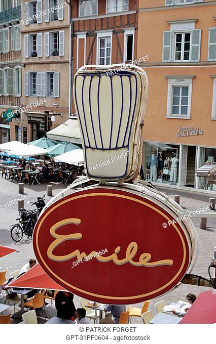 SIGN OF THE RESTAURANT 'CHEZ EMILE', CASSOULET SPECIALTY, CITY OF TOULOUSE, HAUTE-GARONNE 31, FRANCE