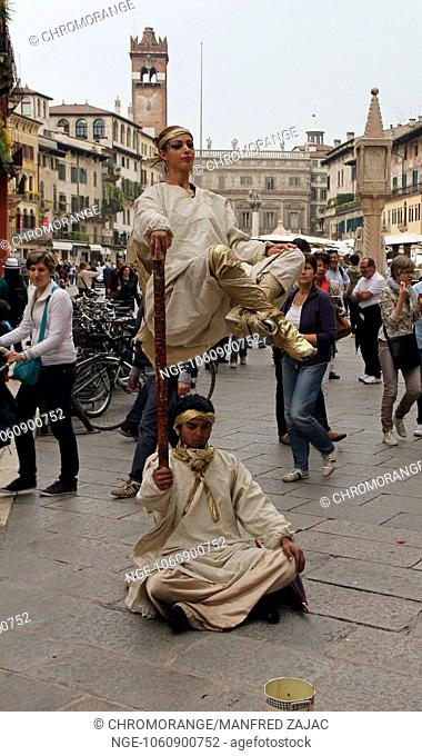 Verona, street performers, Italy