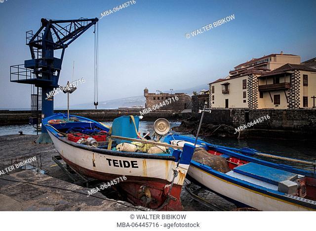 Spain, Canary Islands, Tenerife, Puerto de la Cruz, Puerto Pesquero, fishing port, dusk