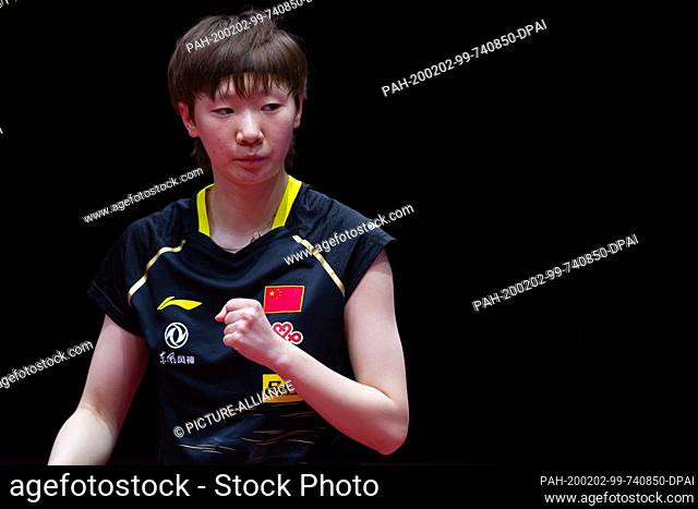 02 February 2020, Saxony-Anhalt, Magdeburg: Table tennis: German Open, women, singles, semi-finals, Ding (China) - Wang (China)