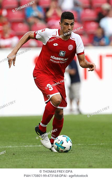 Mainz's Leon Balogun on the ball during the international club friendly soccer match between FSV Mainz 05 and Newcastle United in Mainz, Germany, 29 July 2017