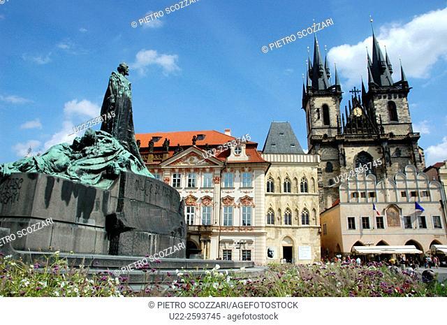 Czech Repblic, Prague, Jan Hus Monument. Tyn Church. The Old Town Square
