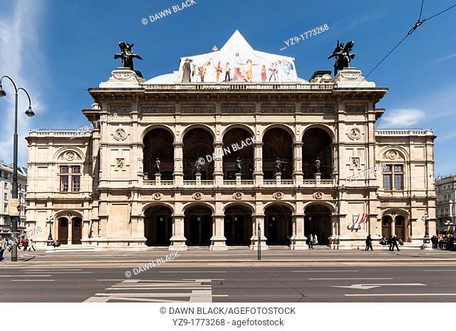 Front Facade, Opera House, Vienna, Austria
