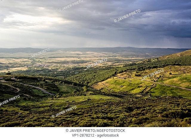 The Valle del Corneja and Piedrahita from the ascent to the port of Peñanegra (1,909 m. ). Avila. Castilla y León. Spain