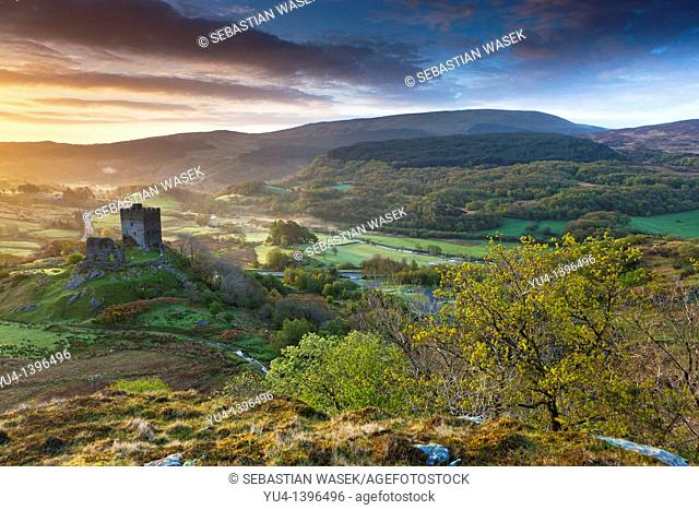 Dolwyddelan Castle Welsh: Castell Dolwyddelan was a native Welsh castle located near Dolwyddelan in Conwy County in North Wales  It was built in the 13th...