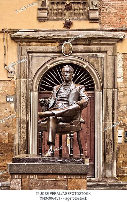 Composer Giacomo Puccini Statue, Giacomo Antonio Domenico Michele Secondo Maria Puccini, Piazza della Cittadella square, Lucca, Tuscany, Italy, Europe