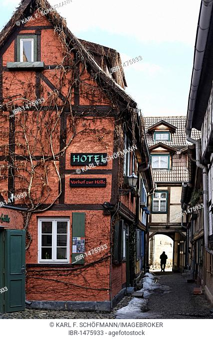 Vorhof zur Hoelle Hotel, Schuhhof, historic centre of Quedlinburg, Harz, Saxony-Anhalt, Germany, Europe
