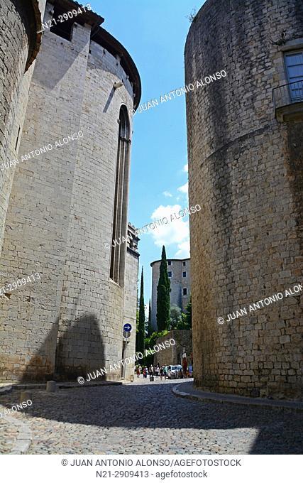 Behind the cathedral of Santa Maria. Girona, Catalonia, Spain, Europe