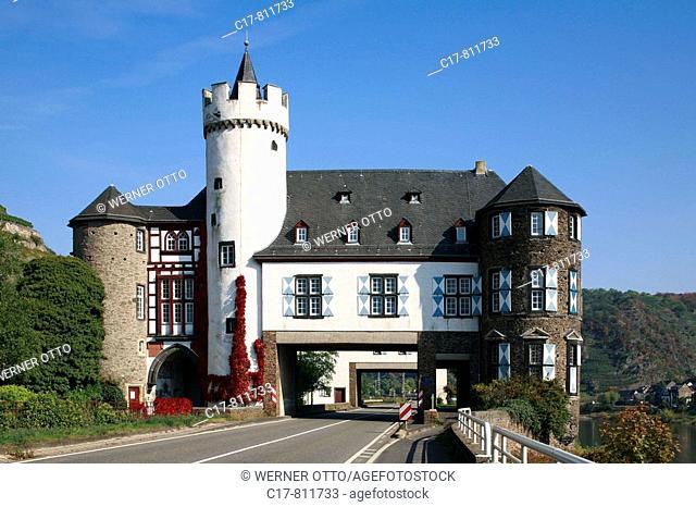 Germany, Kobern-Gondorf, Mosel, Verbandsgemeinde Untermosel, Rheinland-Pfalz, Schloss Gondorf, Schloss von der Leyen, Fuersten von der Leyen, Wasserschloss