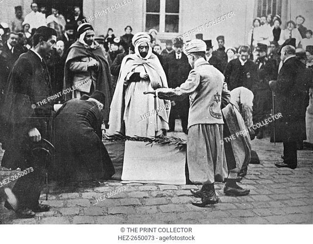 'An unusual sight in Paris', 1914. Artist: Unknown