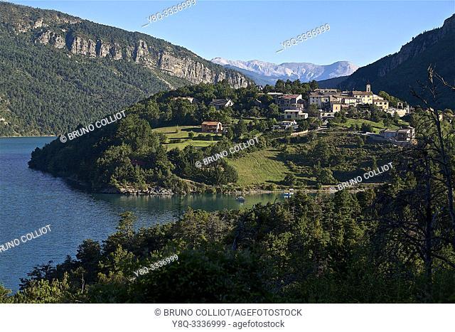 lake view in saint julien du verdon. Alpes-de-Haute-Provence, France
