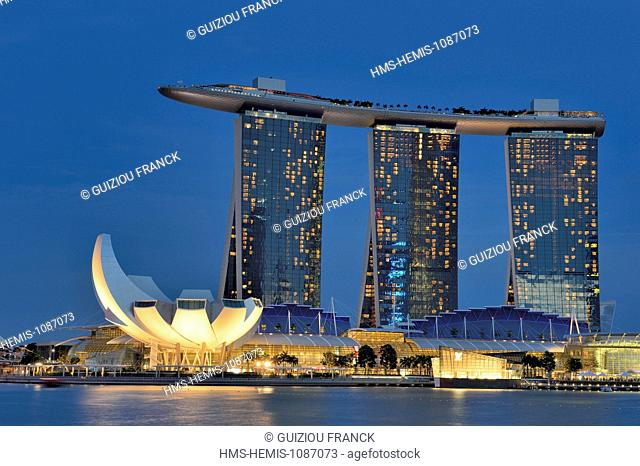 Singapore, Marina Bay, the hotel Marina Bay Sands opened in 2010 and the ArtScience Museum lotus flower shaped opened in 2011, by the architect Moshe Safdie