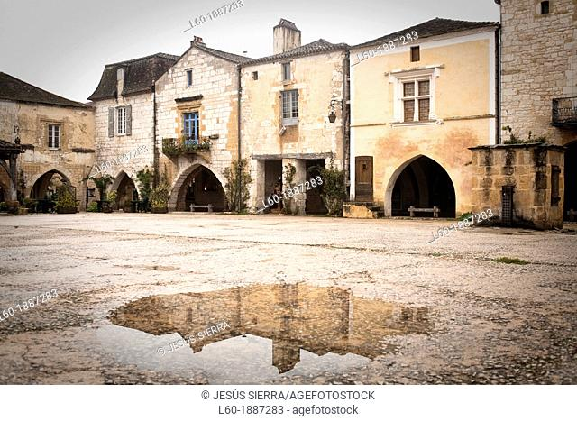 Monpazier, labelled Les Plus Beaux Villages de France The Most Beautiful Villages of France, Place des Cornieres in the Bastide Medieval fortified village