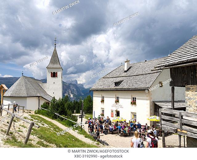 Mountain inn Heilig Kreuz, Rifugio San Croce. Mountain range Kreuzkofel - Sasso santa Croce in the nature park Fanes Sennes Prags
