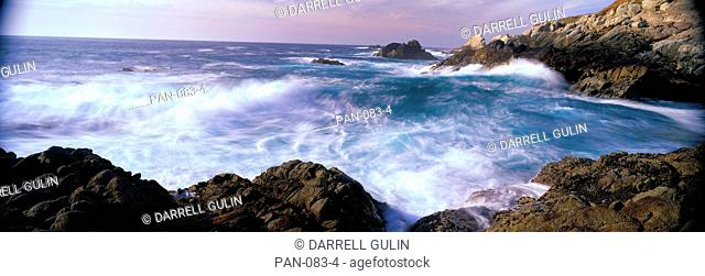 Pacific Ocean Waves along Cabrillo Highway, near San Simeon Point, California, USA
