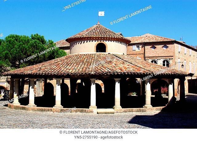 Corn and weeds hall exchange in Auvillar, Tarn et Garonne, Occitanie