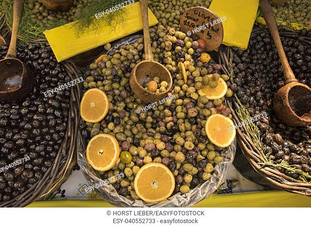 Olives for sale at the market of St Rémy de Provence. Buches du Rhone, Provence, France