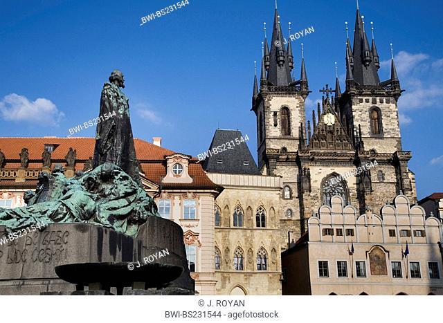 Jan Hus Memorial at Old Town Square with Tyn Cathedral, T²n Cathedral with memorial, Czech Republic, Prague