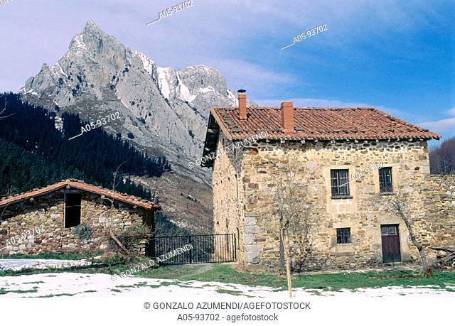 Parque Natural de Urkiola. Untzillaitz mountain on the back. Atxarte valley. Vizcaya. Basque Country. Spain