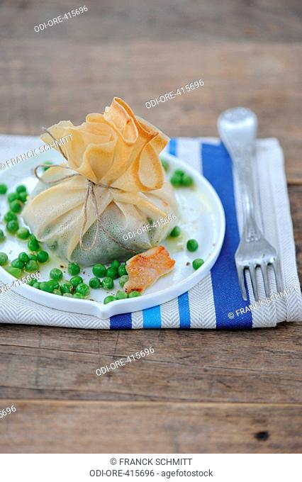 Sweetbread crepe purse with peas