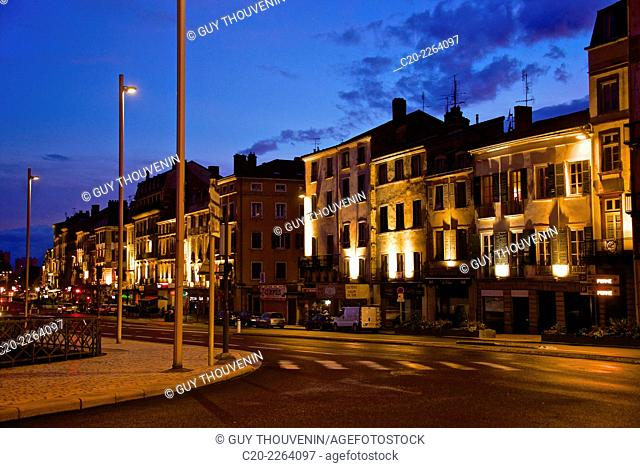 Quays along Yonne river, at night, Auxerre, Yonne, Bourgogne, 71, France