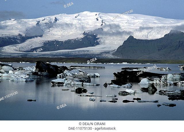 Iceland - Austur-Skaftafellsyssla - Jokulsarlon glacial lake