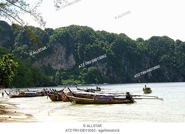 LONG TAILED BOATS ON AO NANG BEACH; AO NANG, KRABI, THAILAND; 27/03/2010